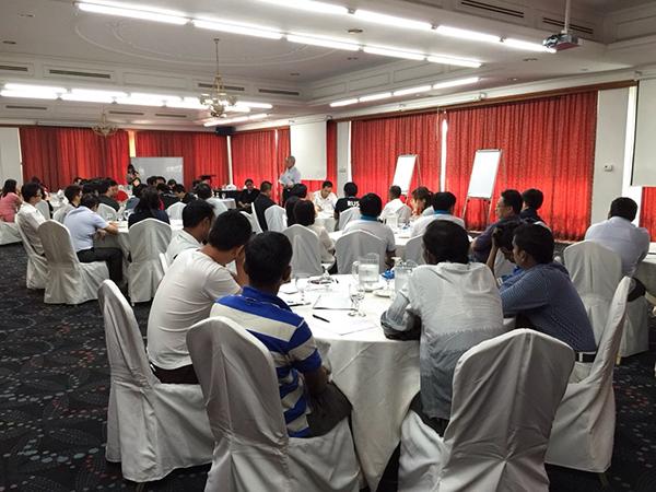 img-news-feed-company-retreat-2015-06-b